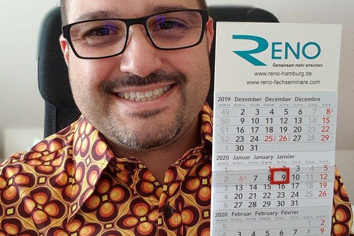 Kostenlos: einen von 500 RENO e.V. Kalendern + 1 Türhänger von ReNoSmart